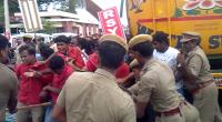 rsyf-maduravoyal-police-station-blockade (1)