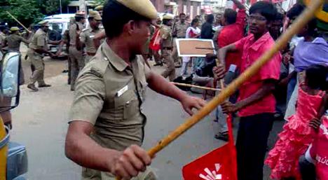 rsyf-maduravoyal-police-station-blockade (5)
