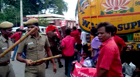 rsyf-maduravoyal-police-station-blockade (6)