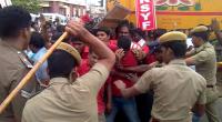 rsyf-maduravoyal-police-station-blockade (7)